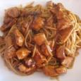 Los fideos de Udon con miel harán viajar vuestras papillas gustativas hasta Asia. Esta receta es a base de pechuga de pollo, salsa de soja, miel, jengibre, cilandro y salsa […]